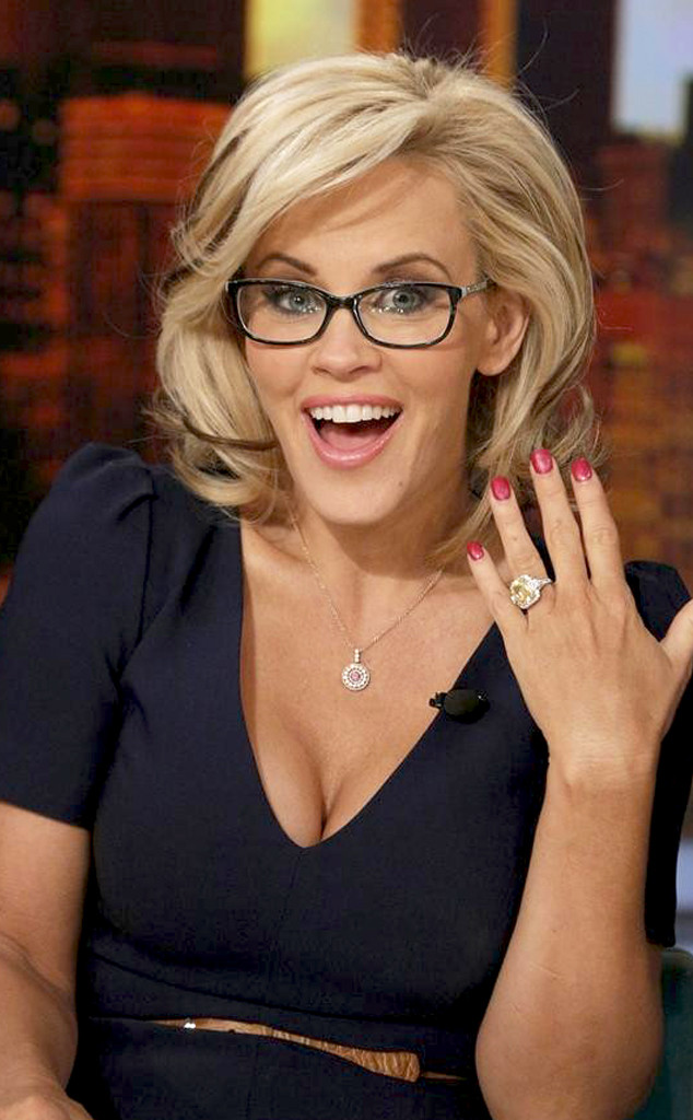 rs_634x1024-140416103858-634.Jenny-McCarthy-View-The-Engagement-Ring.jl.041614
